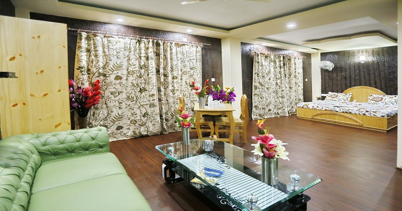 best facility hotel in kashmir